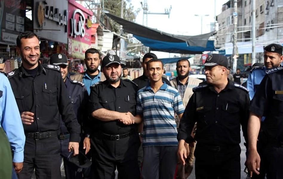f0d8c43c0ca40 صور  قيادة الشرطة تنظم جولات تفقدية لأسواق المحافظات